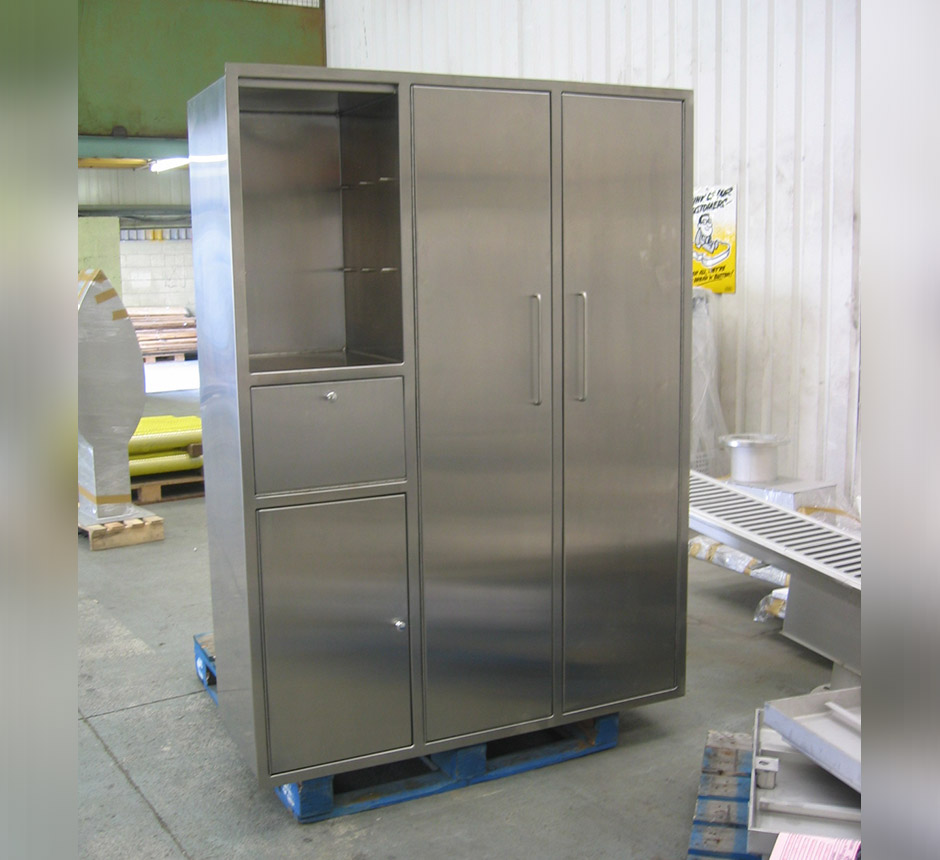 Kent's Recessed Gowning Cabinets