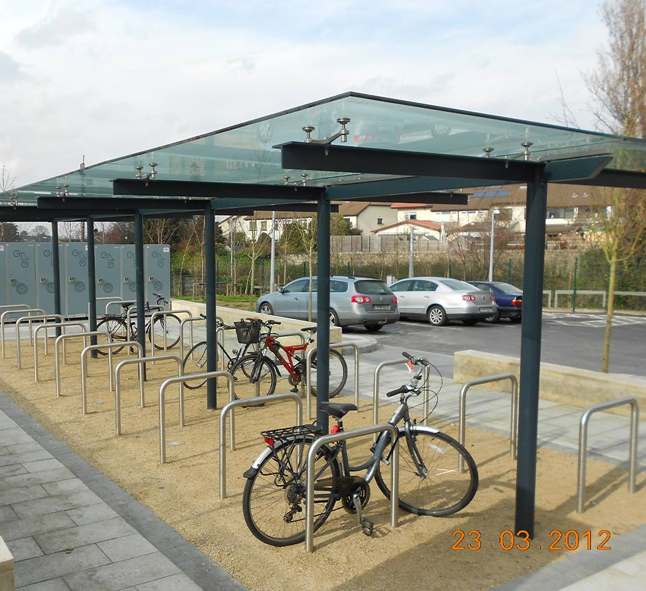 Side angle view of bikes in Dundrum cycle shelter