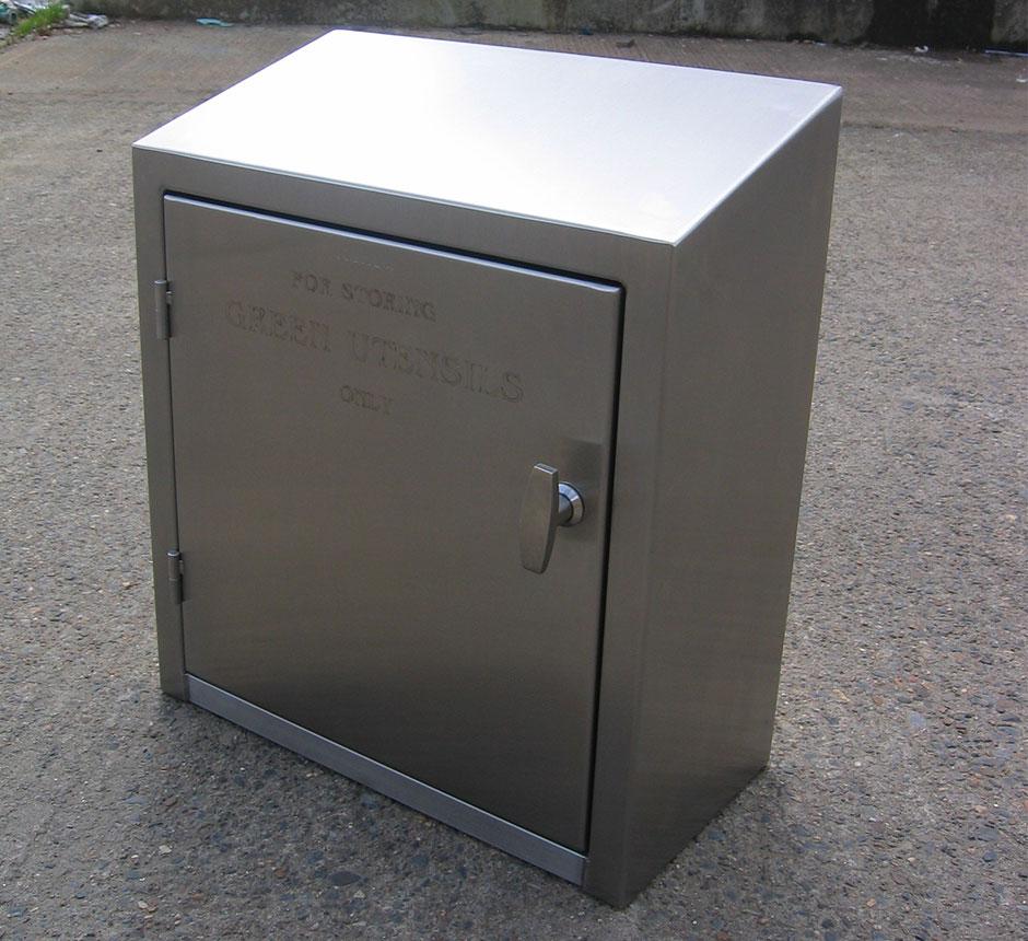 Kent's Wall Mounted Utensil Storage Cabinet